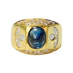 Diamond and Blue Sapphire Ring in 18 K Yellow Gold