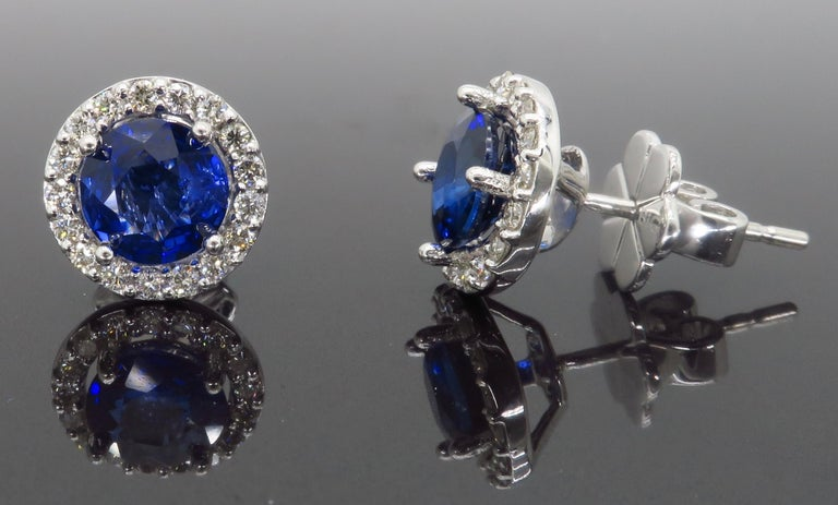 Diamond and Blue Sapphire Stud Earrings In Excellent Condition For Sale In Webster, NY