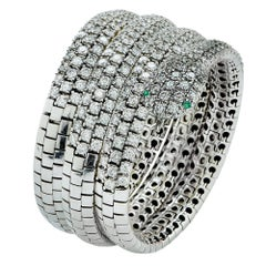 Diamond and Emerald 18 Karat White Gold Snake Bangle