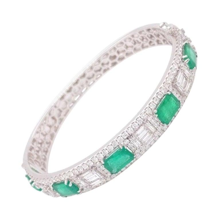 Diamond and Emerald Bangle Bracelet For Sale