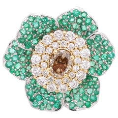 Diamond and Emerald Cocktail/Fashion Floral Ring in 18 Karat White Gold