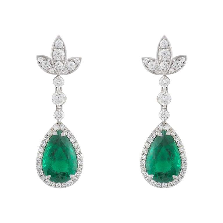 Diamond and Emerald Drop Earrings 6.00 Carat Emeralds 1.30 Carat Diamonds For Sale