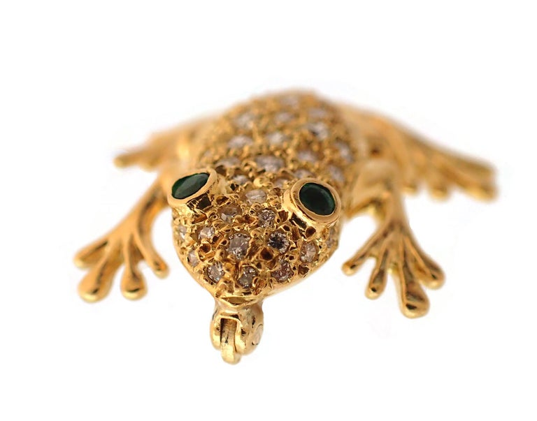 Diamond and Emerald Frog Pin in 18 Karat Yellow Gold In Excellent Condition For Sale In New York, NY