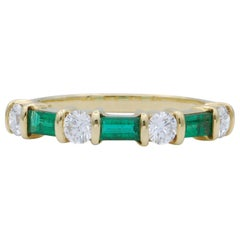 Diamond and Emerald Gold Band Ring