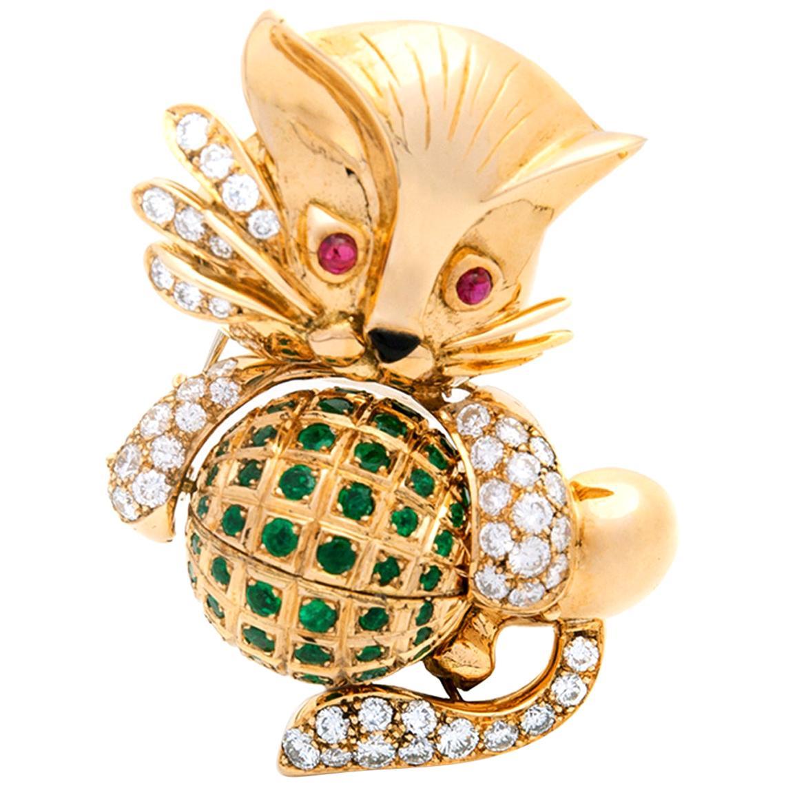 Diamond and Emerald Gold Cat Brooch