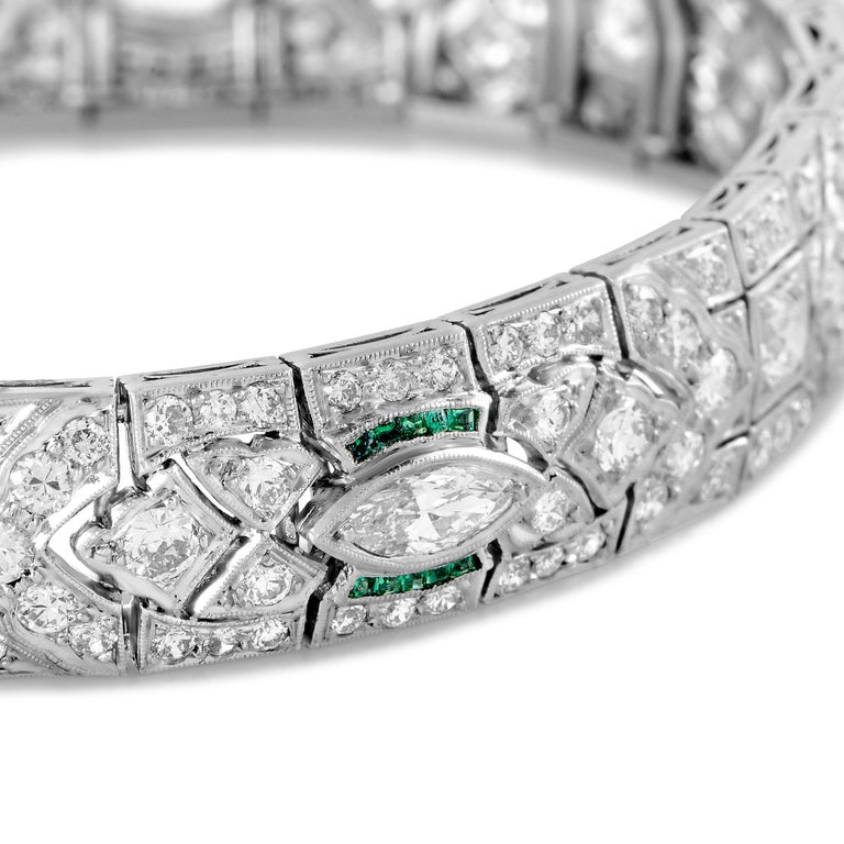 Diamond and Emerald Platinum Art Deco Bracelet In Excellent Condition For Sale In Southhampton, PA