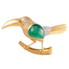 Diamond and Emerald Toucan Yellow Gold and Platinum Pendant or Brooch