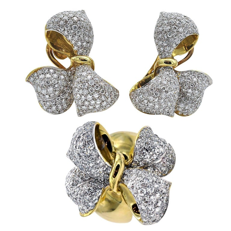 Diamond and Gold Bow Earrings and Ring Set For Sale