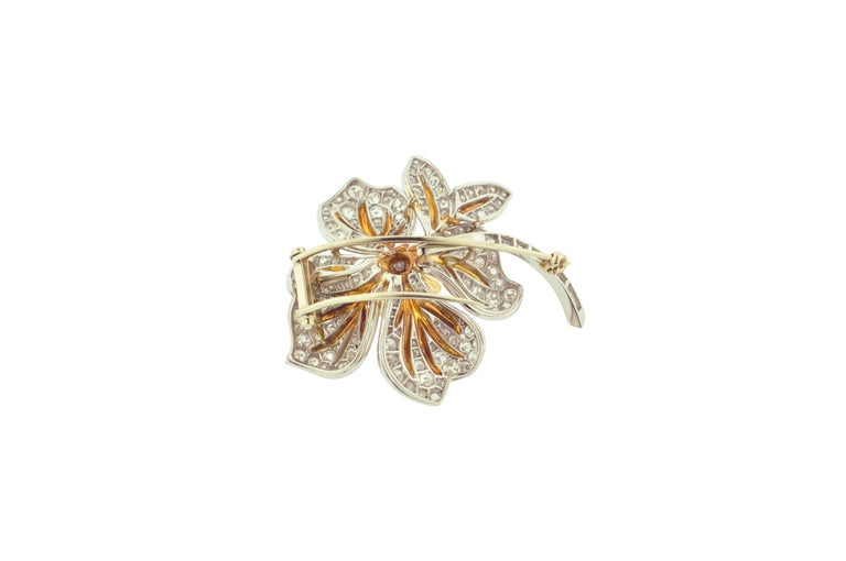 Women's or Men's Diamond and Gold Flower Brooch For Sale