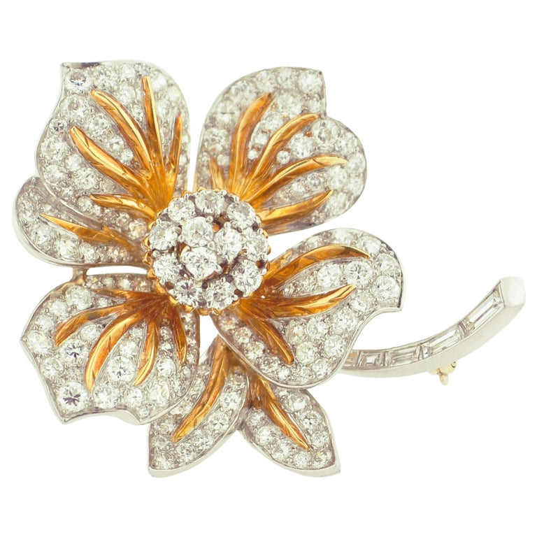 Diamond and Gold Flower Brooch For Sale