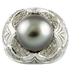 Diamond and Gray Pearl Gold Ring