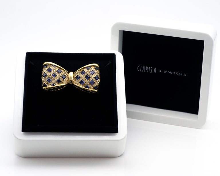 Diamond and Iolite Gold Bowtie Brooch In Excellent Condition For Sale In Monte Carlo, MC