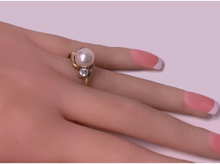 Diamond and Pearl 18 Karat Ring, circa 1920 In Good Condition For Sale In Toronto, ON