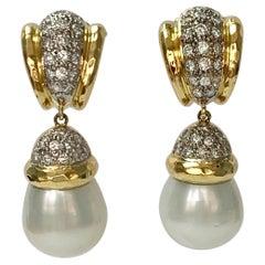 Diamond and Pearl Earrings in 18 K Yellow Gold