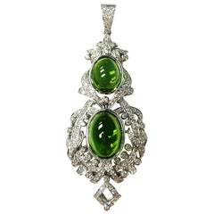 Diamond and Peridot Pendant in 18 K White Gold