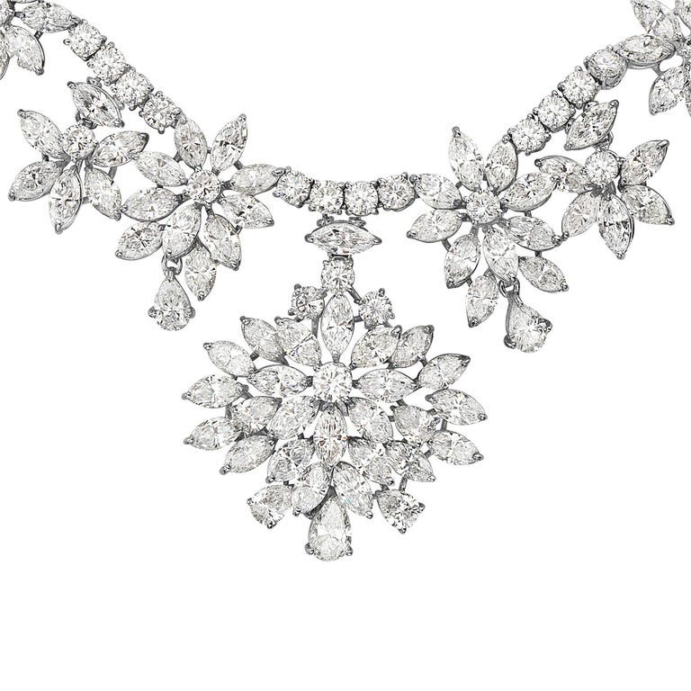 Contemporary Diamond and Platinum Cluster Wreath Necklace For Sale