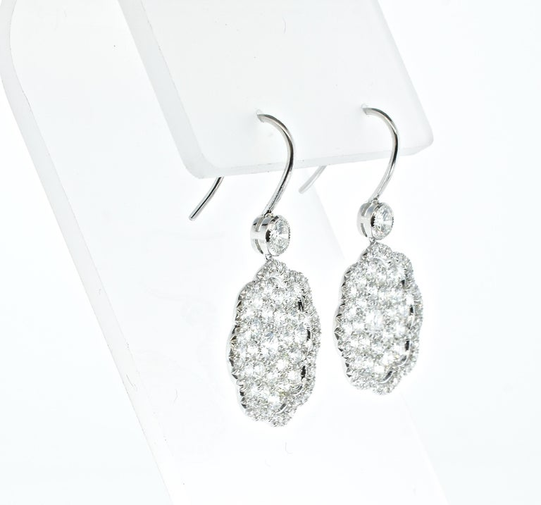 Diamond and Platinum Earrings In New Condition For Sale In Aspen, CO