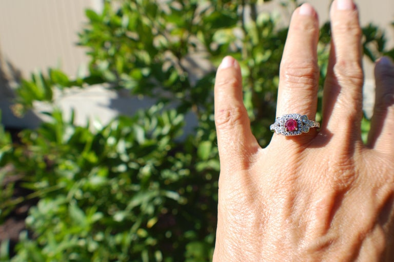 Diamond and Ruby Solitaire Halo 1 Carat Ring In Excellent Condition For Sale In Laguna Hills, CA