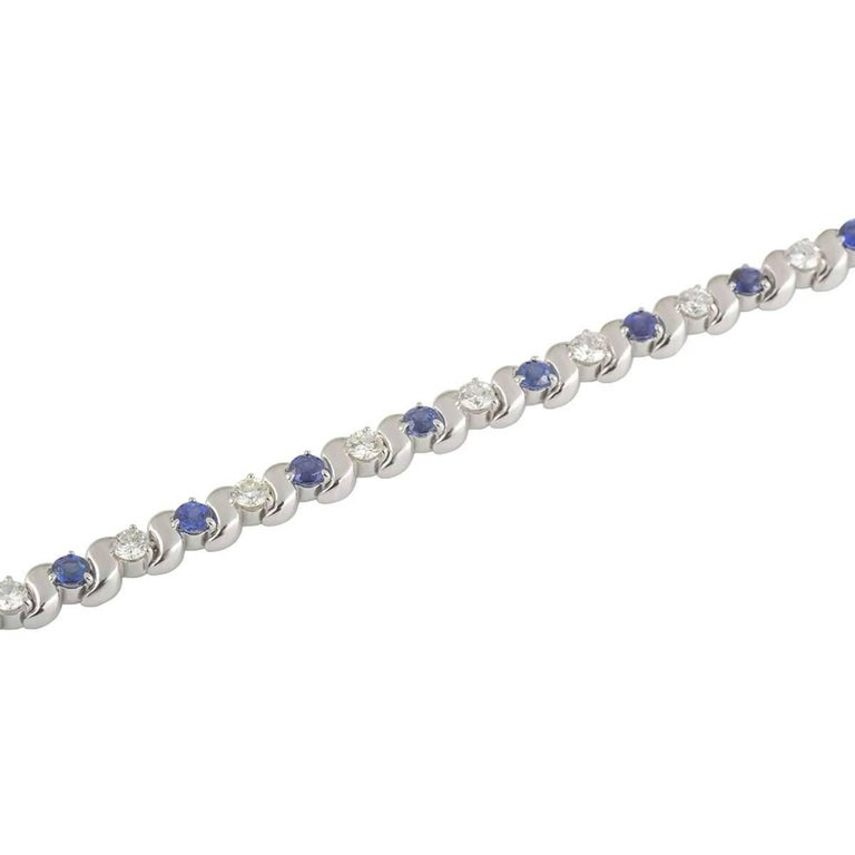 Diamond and Sapphire Bracelet In Excellent Condition For Sale In London, GB