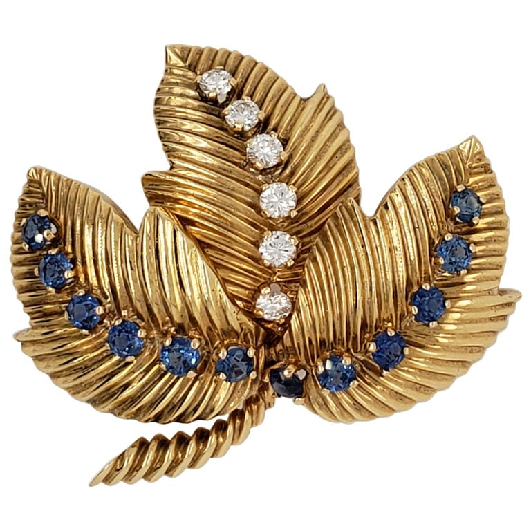 Diamond and Sapphire Brooch Signed Van Cleef & Arpels For Sale