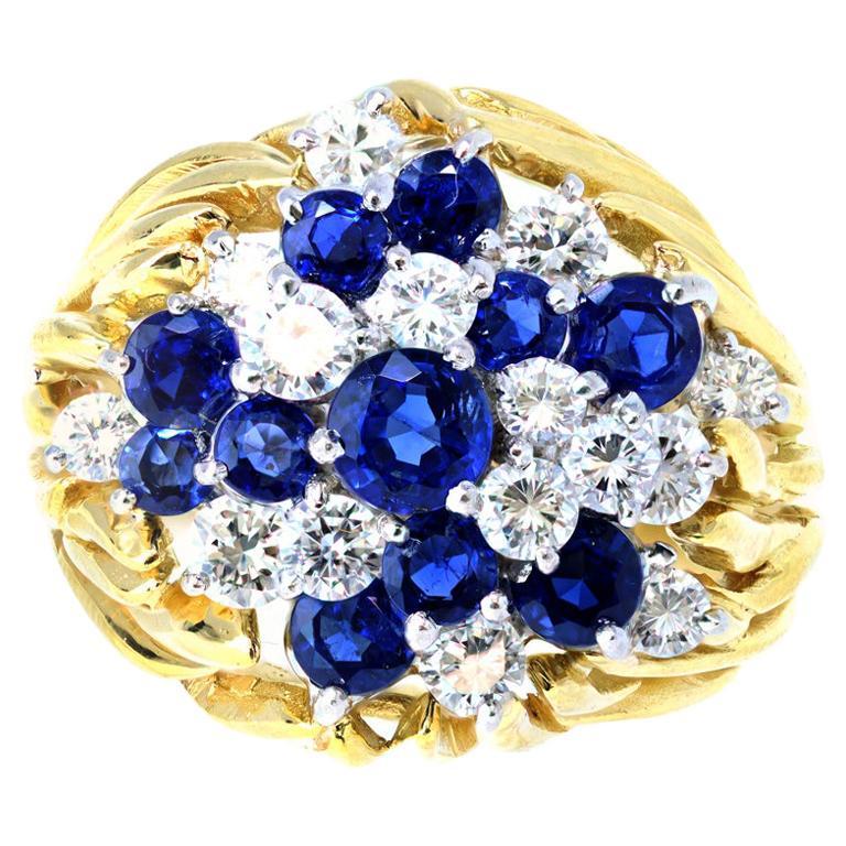 Diamond and Sapphire Cluster Ring in 18 Karat, circa 1960