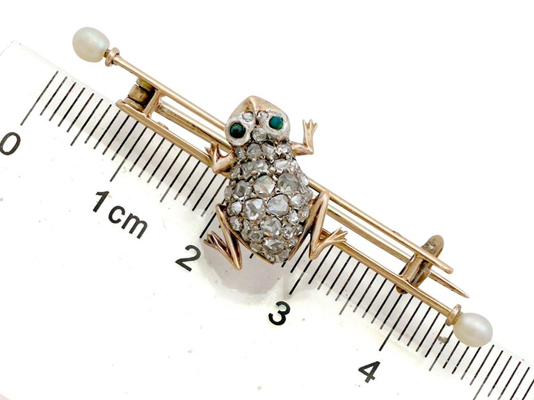 Diamond and Seed Pearl Imitation Gemstone and Yellow Gold Frog Bar Brooch For Sale 2