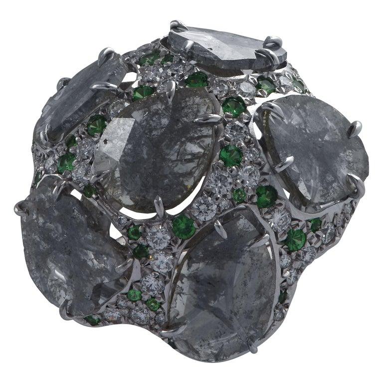 Diamond and Tsavorite Garnet Cocktail Ring In Good Condition For Sale In Miami, FL