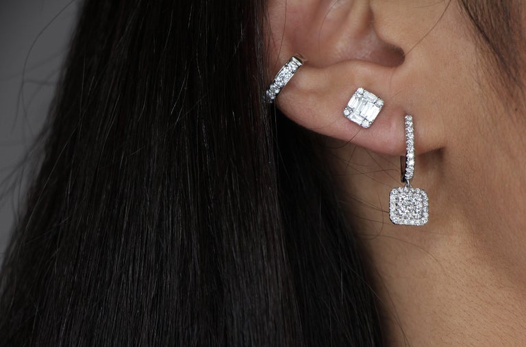 The earcuff is the jewel of the moment This paved ring slips on the pavillon of the ear to be fixed at the level of the cartilage or the lobe without having pierced ears  Can be wear alone or in combination with differents earrings It will give you