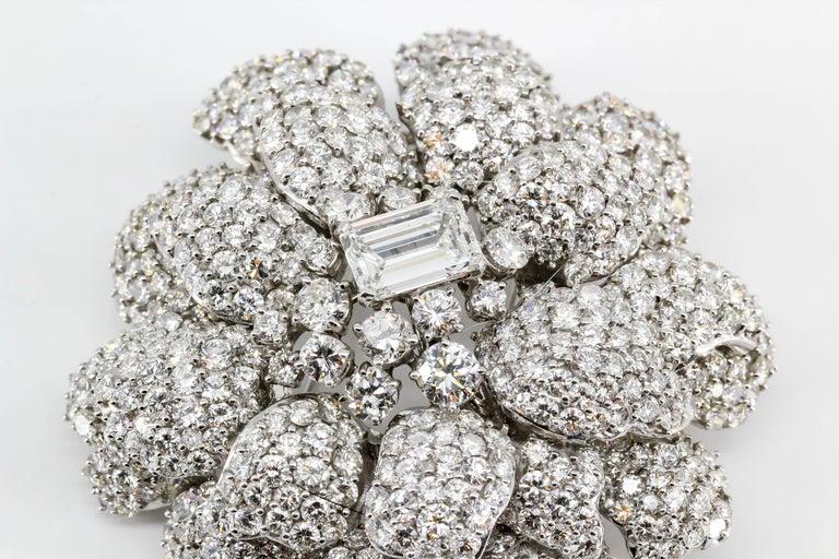 Diamond White Gold Flower Brooch Separating Stem For Sale 5