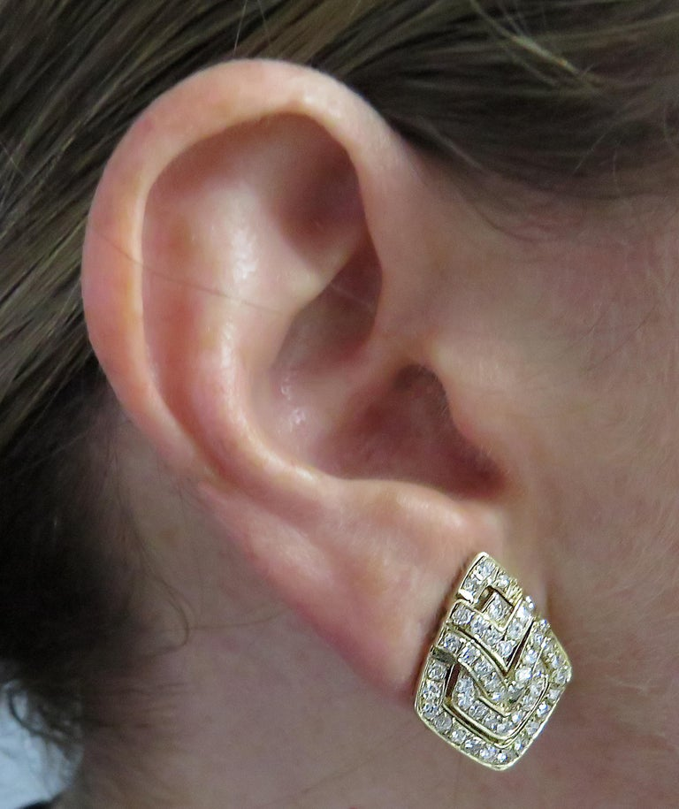 Round Cut Diamond and Yellow Gold Earrings