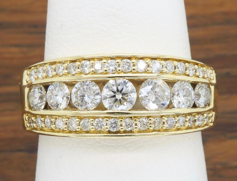Diamond Anniversary Band In Excellent Condition For Sale In Webster, NY