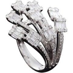 Diamond Baguette Illusion Fashion Ring 18 Karat Gold