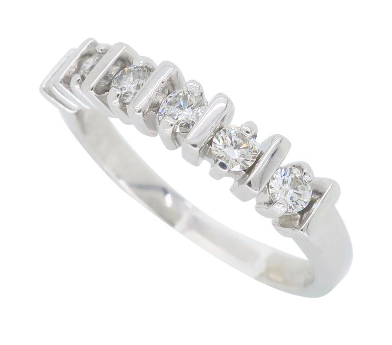 Round Cut Diamond Band Ring For Sale