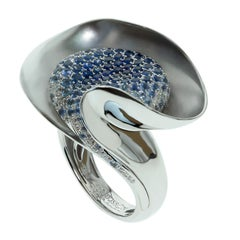 Diamond Blue Sapphire 18 Karat White Gold Ring