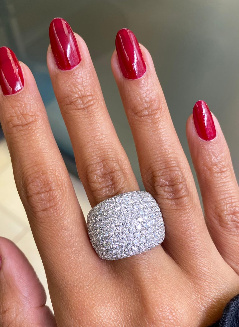 Diamond Bombé Dome Cluster 18 Carat White Gold Cocktail Ring In Excellent Condition For Sale In London, GB