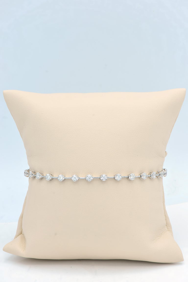 Diamond Bracelet In New Condition For Sale In Great Neck, NY