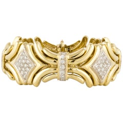 Diamond Bracelet in 18 Karat Yellow Gold