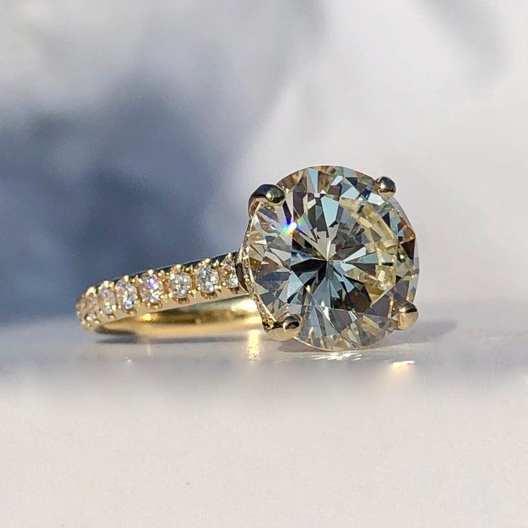Women's or Men's Diamond Brilliant Cut Solitaire Diamond Engagement Ring G.I.A M Colour 4.97ct TW For Sale