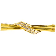 Diamond Brooch 1.50 Carat 18 Karat Gold