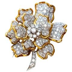 Diamond Brooch 7.5 Carat 18 Karat Gold Made in Italy