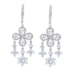 Diamond Chandelier Earrings 3.85 Carat in 18 Karat White Gold