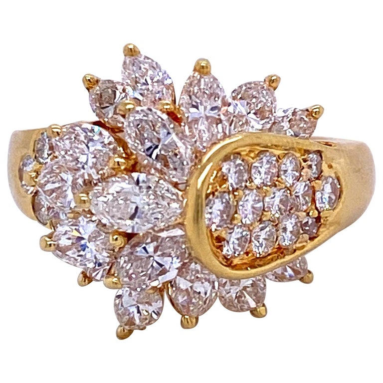 Diamond Cluster Cocktail Ring 3.14 Carat 18 Karat Yellow Gold For Sale