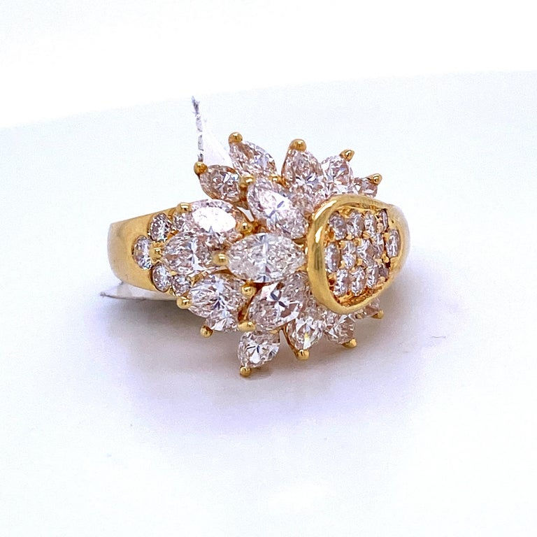 Diamond Cluster Cocktail Ring 3.14 Carat 18 Karat Yellow Gold In Excellent Condition For Sale In New York, NY