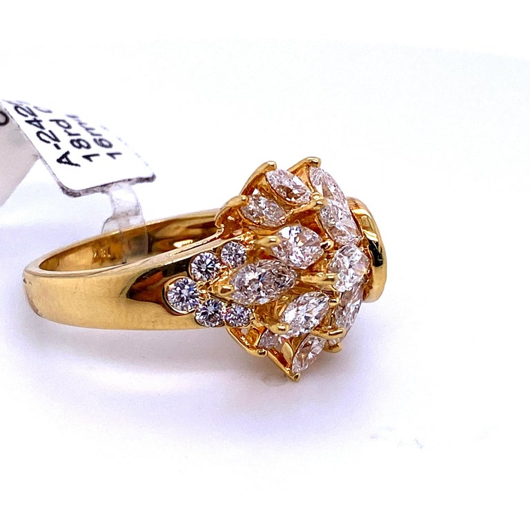 Diamond Cluster Cocktail Ring 3.14 Carat 18 Karat Yellow Gold For Sale 1