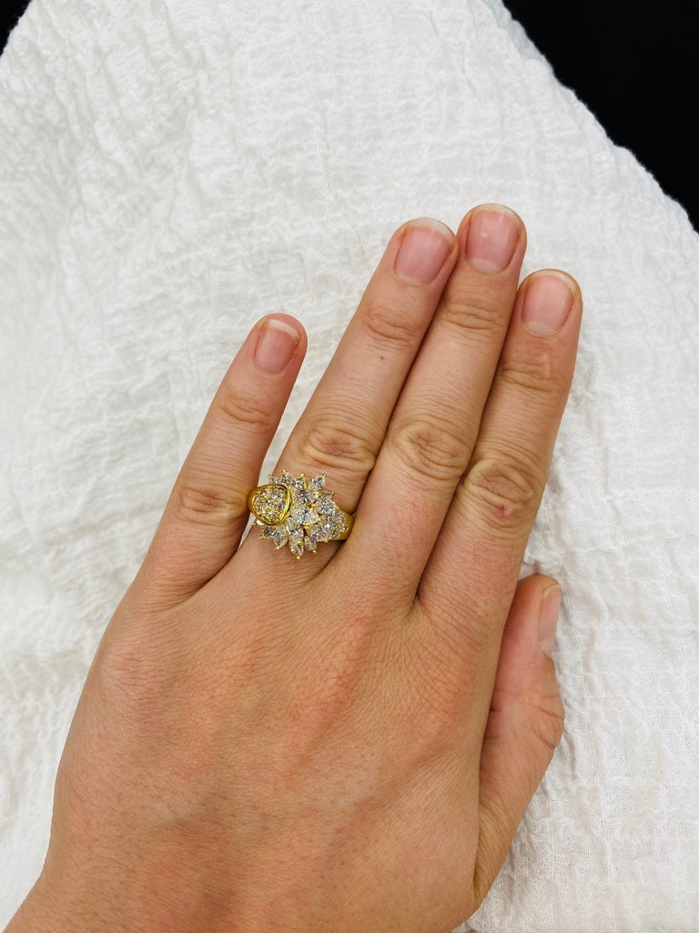 Diamond Cluster Cocktail Ring 3.14 Carat 18 Karat Yellow Gold For Sale 2