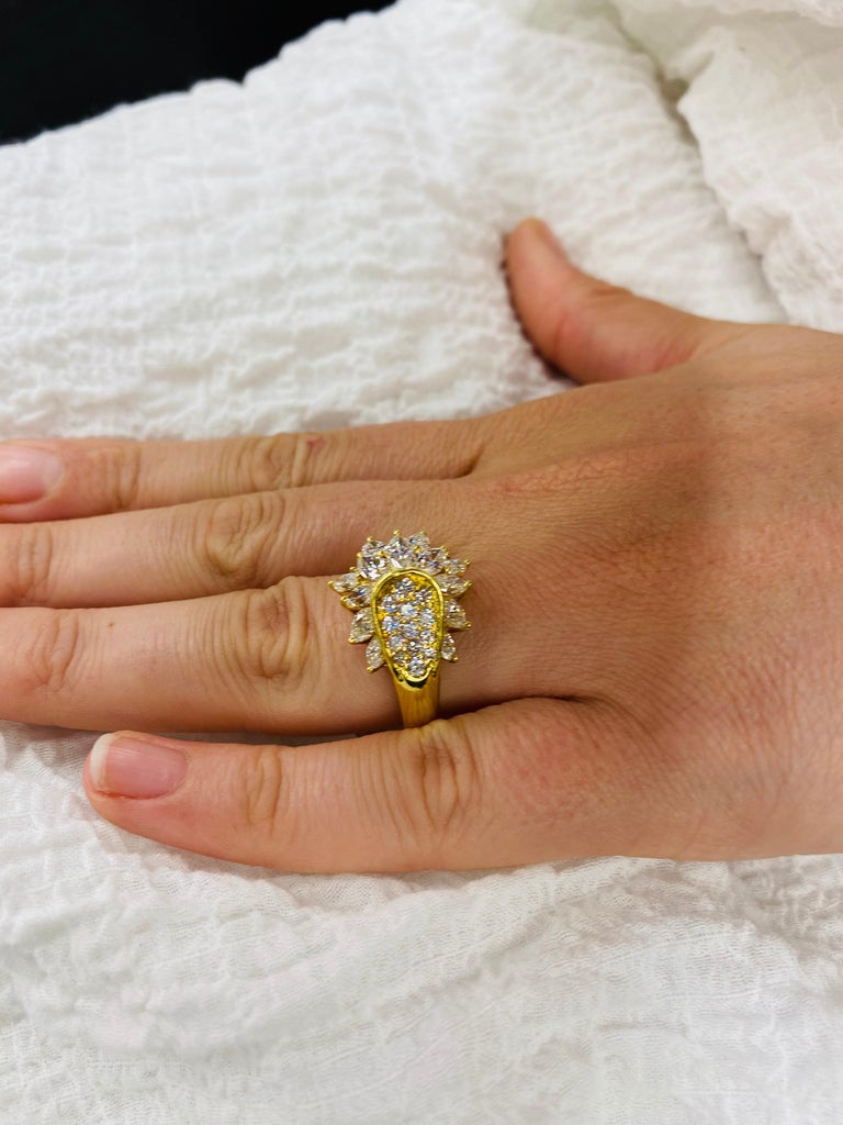 Diamond Cluster Cocktail Ring 3.14 Carat 18 Karat Yellow Gold For Sale 3