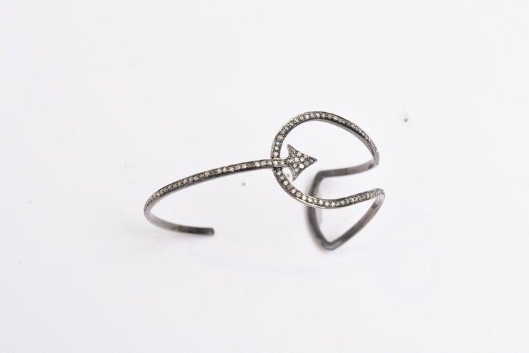Women's or Men's Diamond Cuff Bracelet with Arrow Motif For Sale