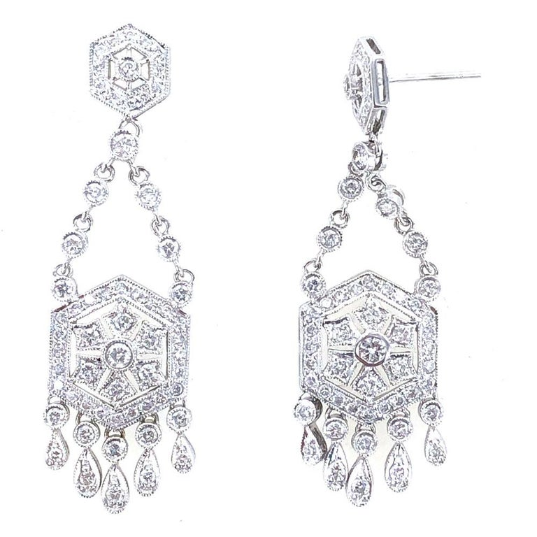 Diamond Dangle Chandelier 18 Karat White Gold Earrings In Excellent Condition For Sale In Boca Raton, FL