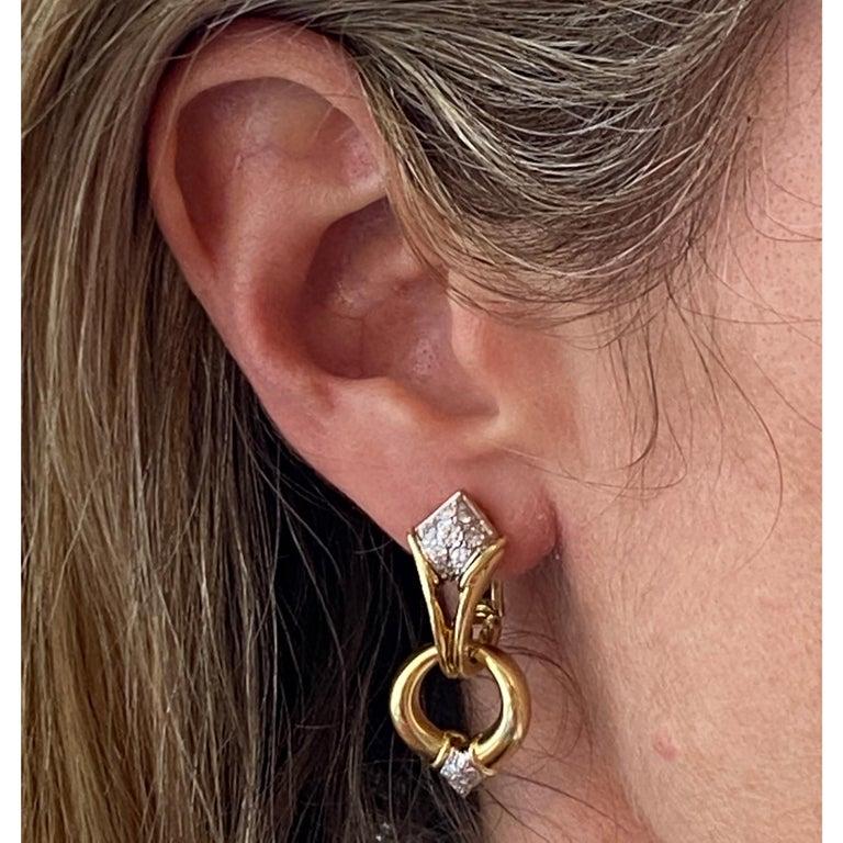 Diamond Dangle Detachable Drop Earrings 18 Karat Yellow Gold For Sale 1