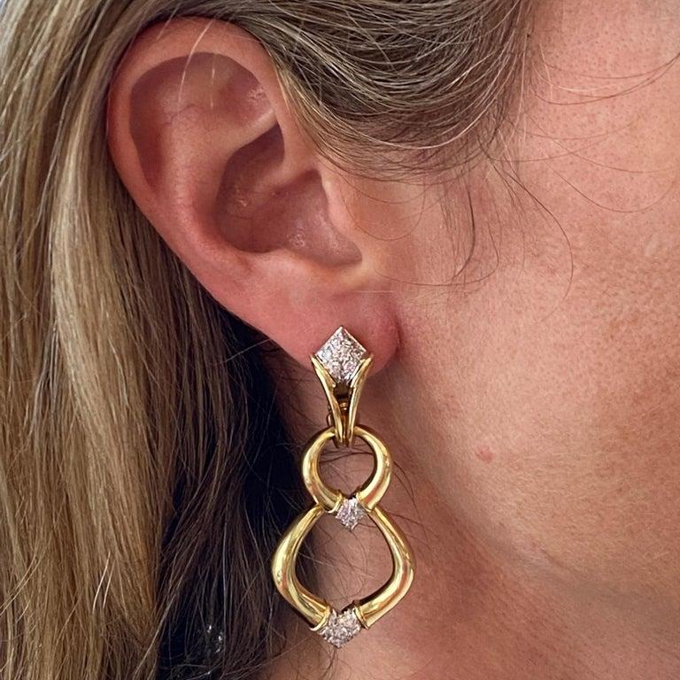 Diamond Dangle Detachable Drop Earrings 18 Karat Yellow Gold For Sale 2